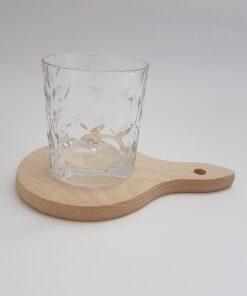 Tocător-suport pahare din lemn masiv.