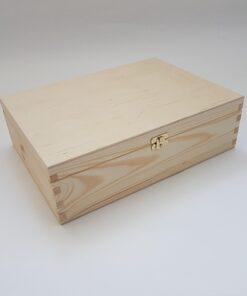 Cutie din lemn natural – cu închizătoare – 34x25x10 cm