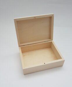 Cutie din lemn pentru bijuterii pentru decorat.