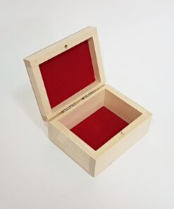 Cutie lemn – căptușit cu material roșu